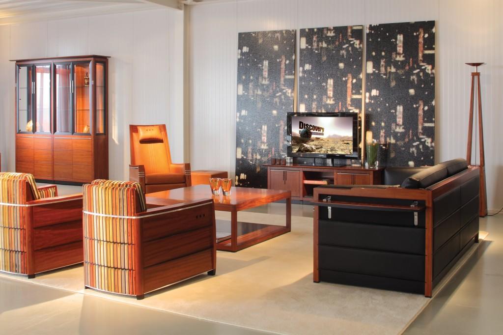 Schuitema meubelen uitverkoop hoogebeen interieur for Interieur art deco