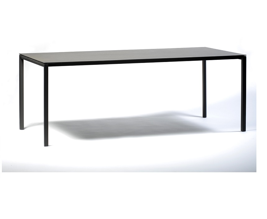Metaform Fly eettafel keramiek   Metaform Eettafels
