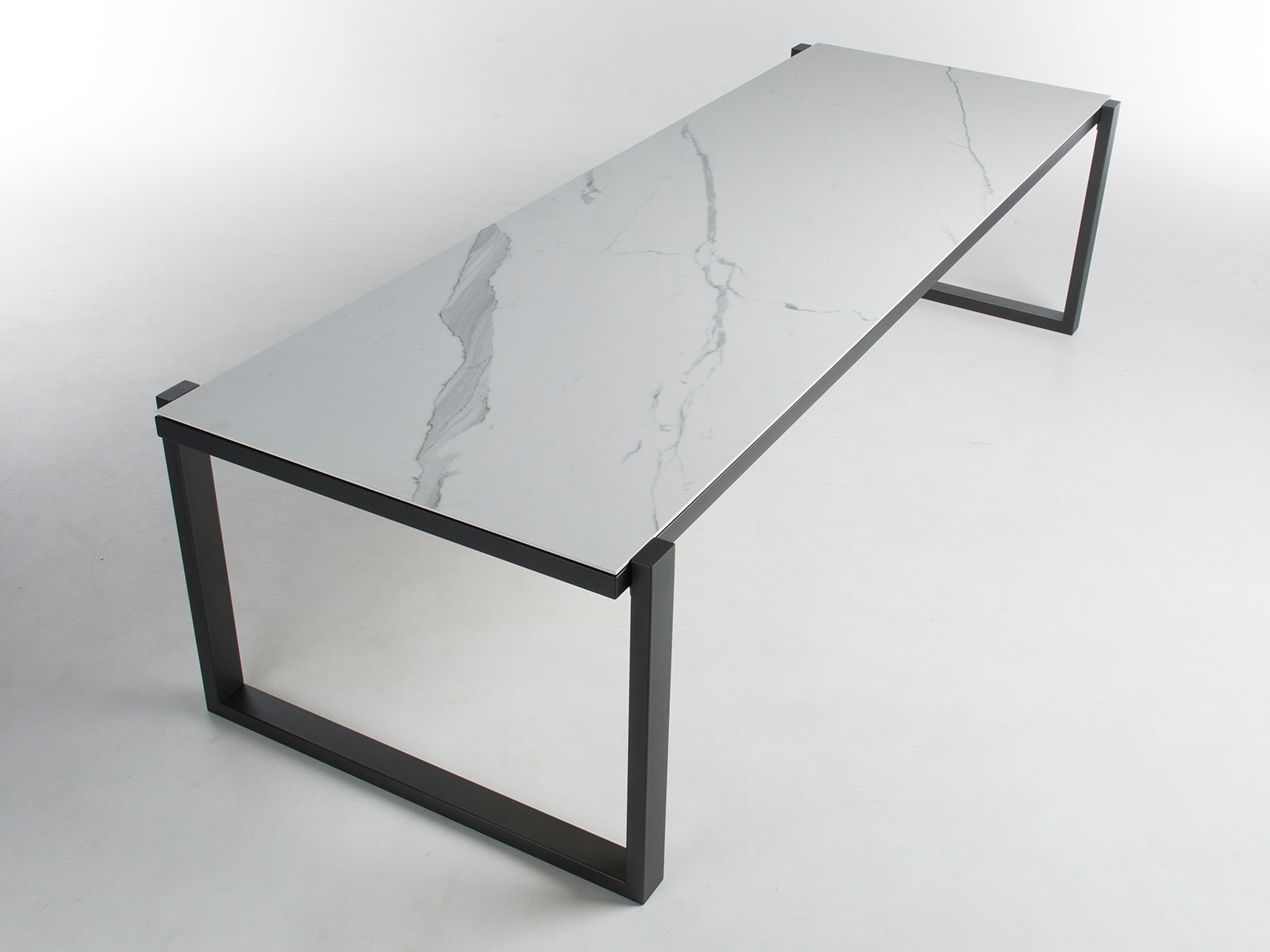 Bert Plantagie Tafel : Bert plantagie alef keramiek tafel hoogebeen interieur