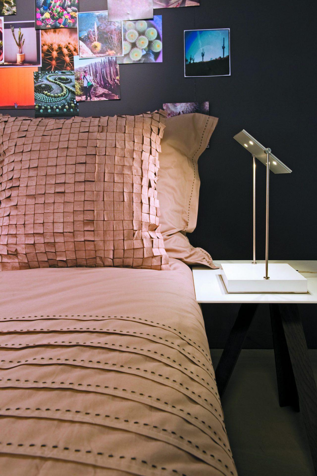 FERROLIGHT PIXEL Desk 1 | Hoogebeen Interieur