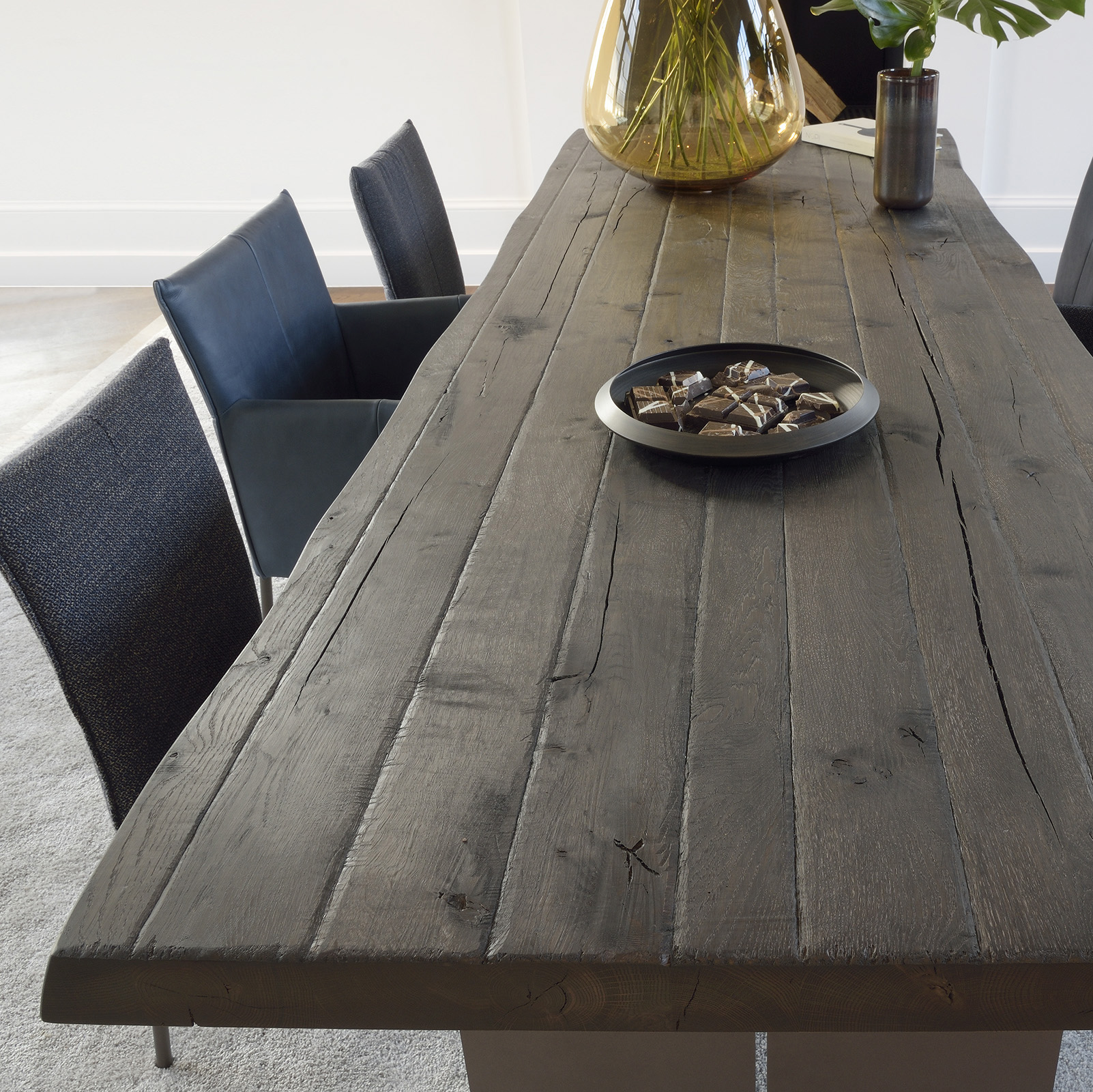 brooke-tafel-bluma-stoel-brown-by-bert-plantagie