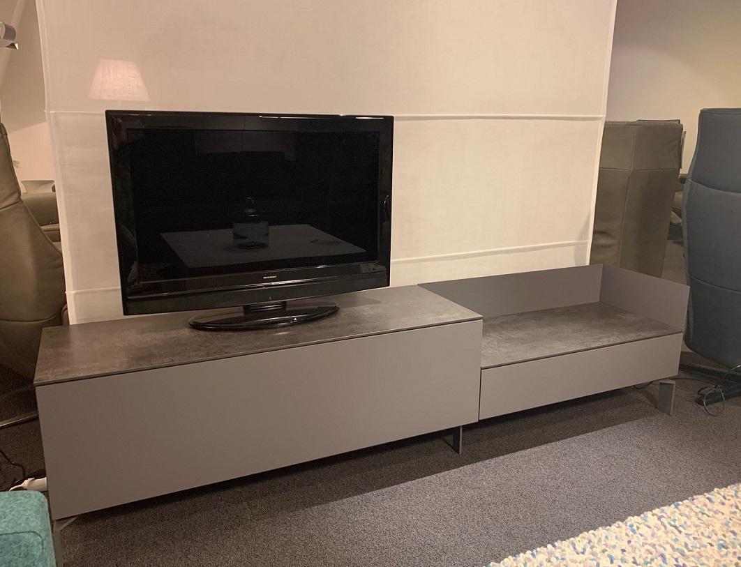 Kwadraat tv meubel opruiming