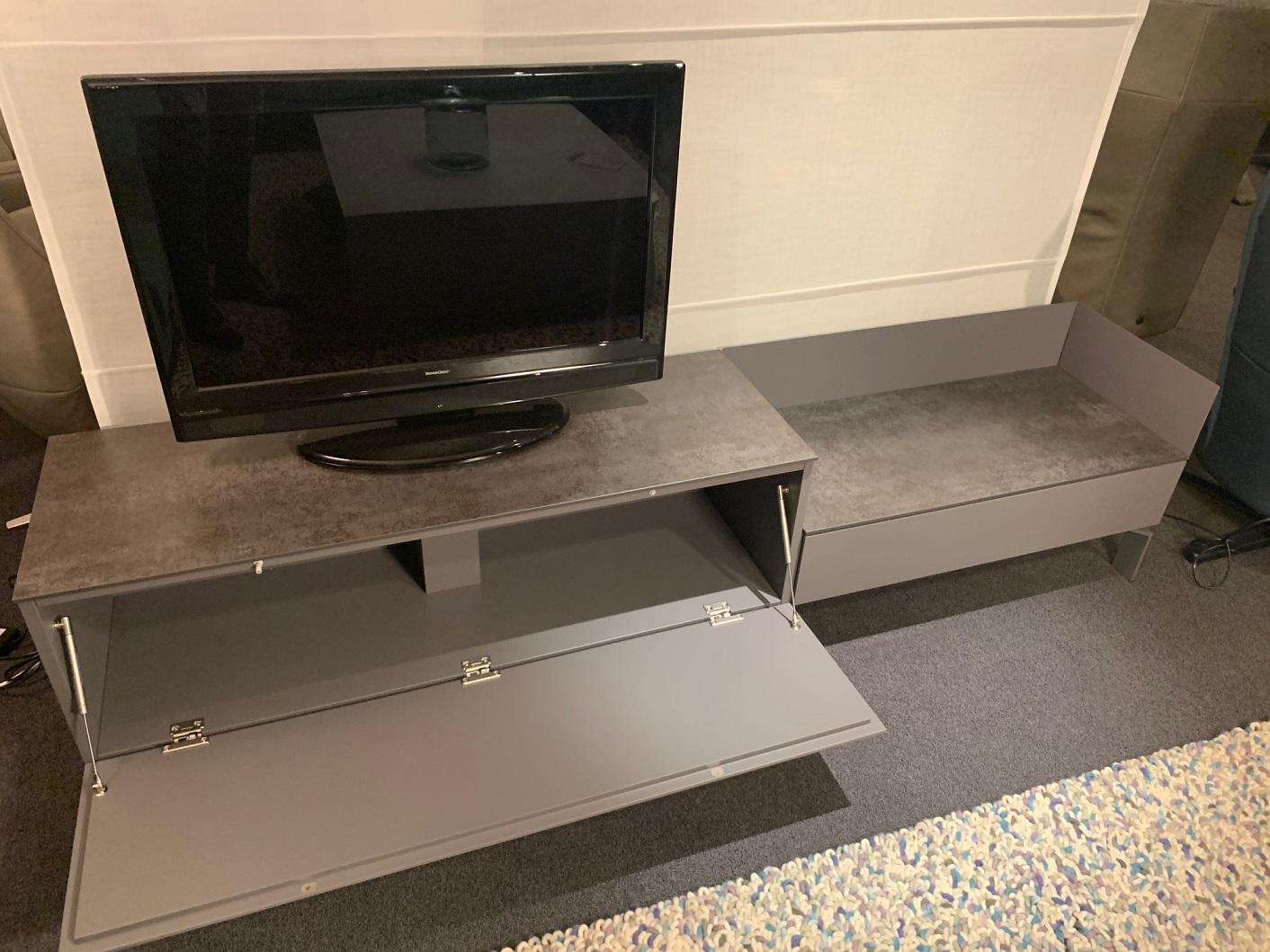 Kwadraat tv meubel showroommodel