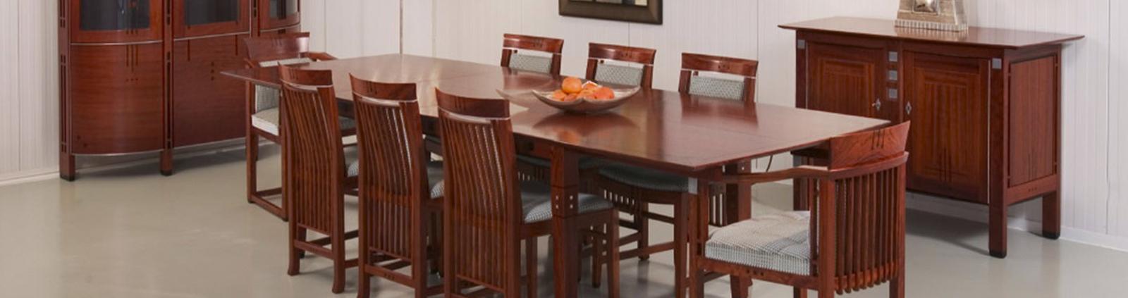 Kersenhouten tafel Banner Image